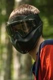 Beschermend helmmasker in het spel van verfbal, noodzakelijk voor de het beschermingsogen en gezicht Royalty-vrije Stock Foto