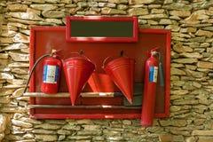 Beschermend schild met een hulpmiddel voor brandweerlieden Royalty-vrije Stock Afbeelding