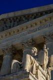 Beschermer van de het Hooggerechtshofbouw van Verenigde Staten van het Wetsstandbeeld stock afbeelding
