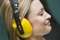 Bescherming tegen lawaai. royalty-vrije stock fotografie