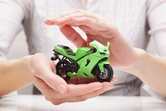Bescherming van fiets (concept) Stock Afbeeldingen