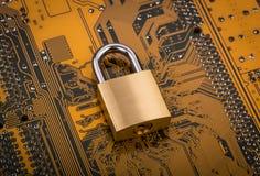 Beschermingsconcept: veiligheidsslot Stock Afbeeldingen