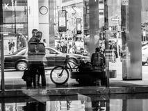 Beschäftigte Stadt Schwarzweiss Stockfotografie