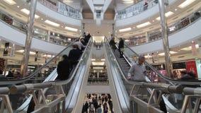 Beschäftigtes Einkaufszentrum stock video footage