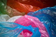Beschikbare plastic zakkenachtergrond Lichtgewicht transparant, opnieuw te gebruiken plastic afval Vuilniszakken, plastic recycli royalty-vrije stock foto's