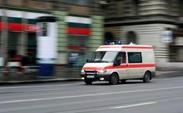 Beschleunigenkrankenwagen stockfotos