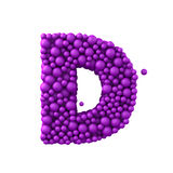 Beschriften Sie D, das von den Plastikperlen, die purpurroten Blasen gemacht wird, lokalisiert auf Weiß, 3d übertragen Lizenzfreie Stockfotografie