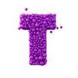 Beschriften Sie T, die von den Plastikperlen, die purpurroten Blasen gemacht wird, lokalisiert auf Weiß, 3d übertragen Stockbilder