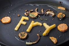 Beschriftet Kartoffel in einer Wanne Stockfotos