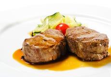 besegrar den varma meatmedaljongvealen Royaltyfri Bild