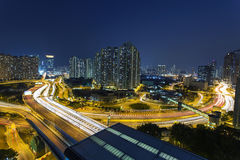 Besetzter Verkehr in Hong Kong nachts Stockbild