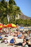 Besetzter Waikiki Strand Lizenzfreie Stockfotos