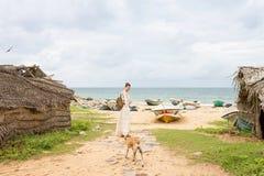 Besichtigen des alten Fischerdorfes von Talawila, Sri Lanka Lizenzfreies Stockbild