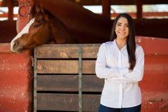 Besichtigen Sie unsere Ranch und reiten Sie Pferde lizenzfreie stockfotos