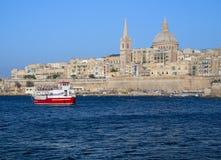 Besichtigungs-Hafen-Kreuzfahrt in Malta lizenzfreie stockfotos