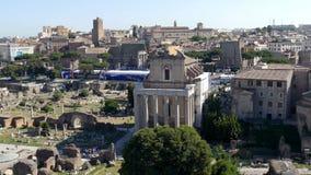 Beskåda över fördärvar av det romerska fora stock video