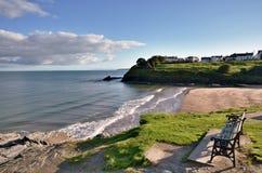 Beskåda av den Aberporth stranden, Ceredigion, Wales. Royaltyfria Foton