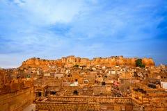 Beskåda av den Jaisalmer staden, Indien Arkivfoto