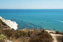 Beskåda av havet Arkivbilder