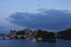 Paris vid natt royaltyfri fotografi