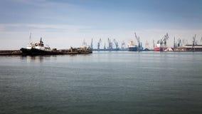Beskåda av Thessaloniki port, Grekland Royaltyfri Foto
