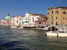 Beskåda av Venedig från bevattna Royaltyfria Bilder