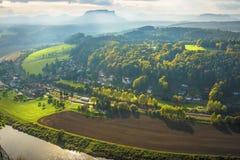 Beskåda från Bastei till den Lilienstein SaxonSchweitz Tysklandet Royaltyfria Foton