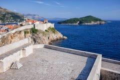Dubrovnik, Fort Lovrijenac och Lokrum ö Royaltyfria Bilder