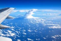 Beskåda från flygplanfönstret Royaltyfri Foto