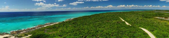 Beskåda från fyren på Punta ekologiska Sur parkerar. Cozumel Fotografering för Bildbyråer
