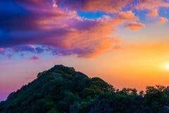 Beskåda från generalhuvudvägen på solnedgången Arkivbild