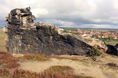Beskåda från jäkel`-väggen Teufelsmauer till Weddersleben Arkivfoto