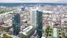 Huvudsaklig panorama av Frankfurt - förmiddag -, Tyskland. arkivbild
