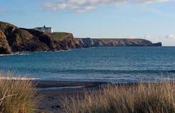 Gunwalloe kyrklig Cove Cornwall Arkivfoto