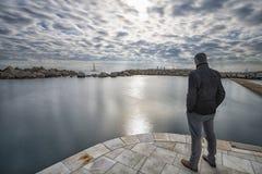 Beskåda havet på stranden fotografering för bildbyråer