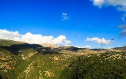 Beskåda landskapet av bergsområdet av övreGalilee Arkivbild