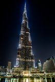 Beskåda på Burj Khalifa, Dubai, UAE, på natten Royaltyfri Bild