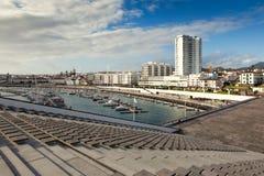 Beskåda till den Ponta Delgada staden Royaltyfri Fotografi