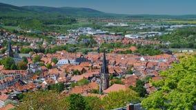 Beskåda uppifrån av den pittoreska staden av Verniigorodee - en stad i Tyskland i förbundsstaten av Sachsen lager videofilmer