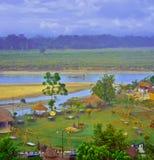 Beskåda uppifrån golvet av hotellet på nationalpark i Chitwan royaltyfri bild