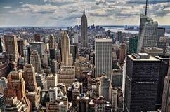 Beskådar den flyg- panoramat för den New York City Manhattan midtownen Royaltyfri Bild