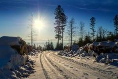 Beskid в Польше, белой дороге стоковые фотографии rf