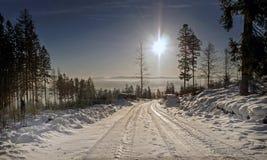 Beskid in Polen, weiße Straße lizenzfreie stockfotos