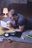 Beslutsamt att passera examen Arkivbild