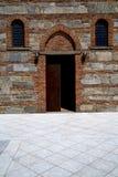 besnate老教会步的意大利伦巴第 库存图片