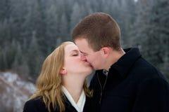 Beso cariñoso Fotos de archivo libres de regalías