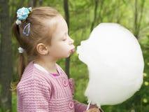 Beso de caramelo de algodón Foto de archivo
