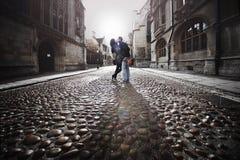 Beso de la calle Imágenes de archivo libres de regalías