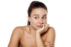 Besorgte Frau ohne Make-up Lizenzfreies Stockfoto