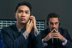 Besorgte Geschäftsvermittler Lizenzfreie Stockfotos
